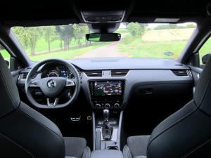 Škoda Octavia Combi RS 2.0 TSI (50)