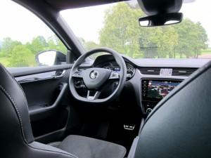 Škoda Octavia Combi RS 2.0 TSI (51)