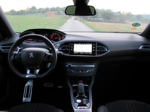 Peugeot 308 SW GT 2018 (12)