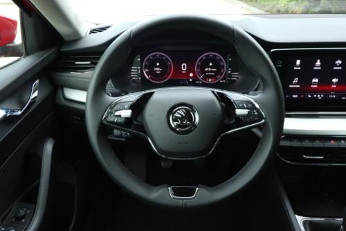 Nová Škoda Octavia Combi (106)