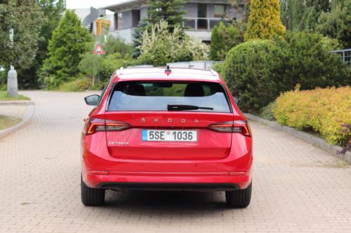 Nová Škoda Octavia Combi (37)
