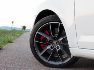 Škoda Octavia Combi RS 2.0 TSI (9)