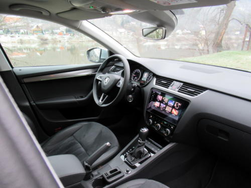 Škoda Octavia Liftback 2019 2,0 tdi 135 kw 4x4 (29)