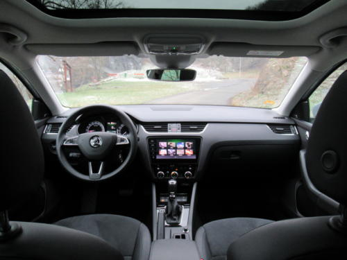 Škoda Octavia Liftback 2019 2,0 tdi 135 kw 4x4 (32)
