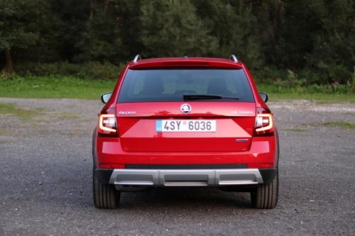 Škoda Octavia Scout 2019 (16)