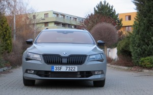 Škoda Superb Combi 2018 (18)