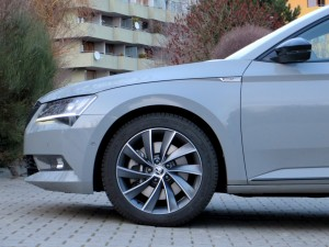 Škoda Superb Combi 2018 (23)
