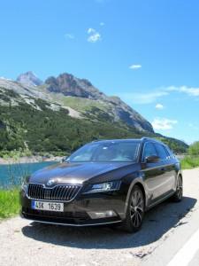 Škoda Superb Combi 2.0 tdi 4x4 (18)