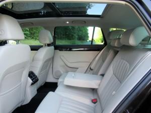 Škoda Superb Combi 2.0 tdi 4x4 (40)