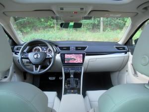 Škoda Superb Combi 2.0 tdi 4x4 (43)