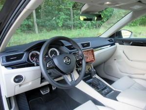 Škoda Superb Combi 2.0 tdi 4x4 (51)