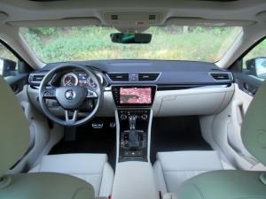 Škoda Superb Combi 2.0 tdi 4x4 (54)