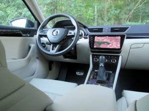Škoda Superb Combi 2.0 tdi 4x4 (55)