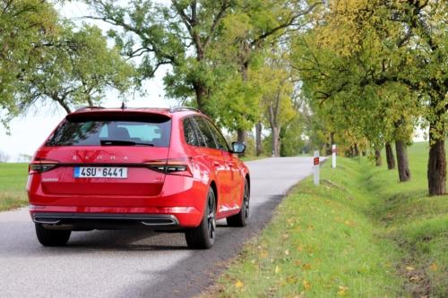 Škoda Superb Combi Sportline (1)