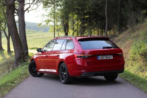 Škoda Superb Combi Sportline (12)