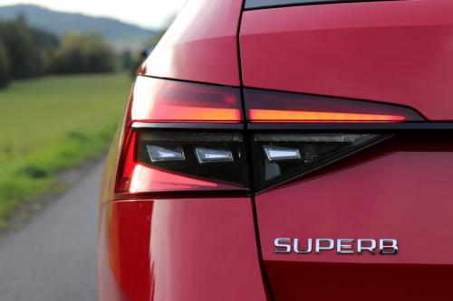 Škoda Superb Combi Sportline (18)