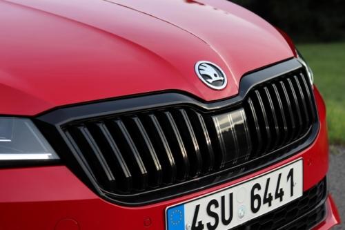 Škoda Superb Combi Sportline (27)