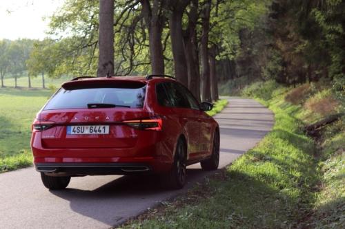 Škoda Superb Combi Sportline (3)