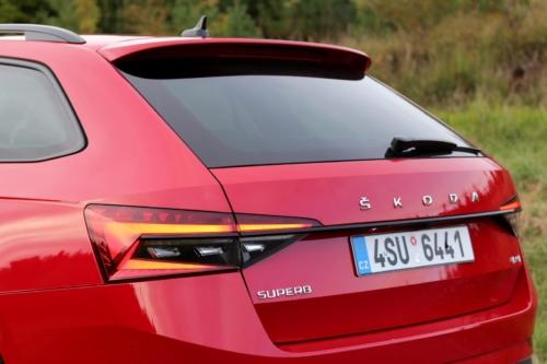 Škoda Superb Combi Sportline (52)