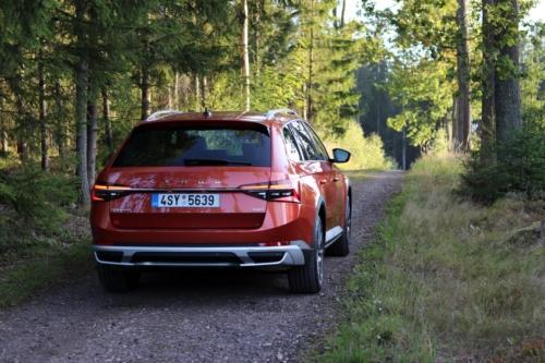 Nová Škoda Superb 2020 (13)