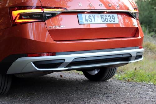 Nová Škoda Superb 2020 (17)