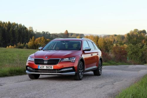 Nová Škoda Superb 2020 (20)