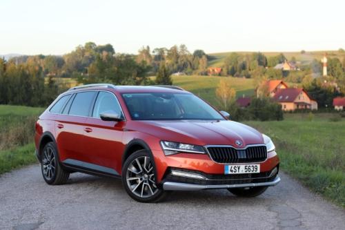 Nová Škoda Superb 2020 (23) (1)