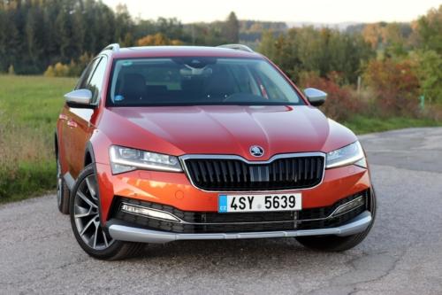 Nová Škoda Superb 2020 (26) (1)
