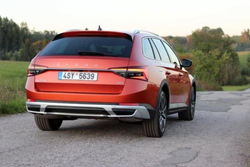 Nová Škoda Superb 2020 (36)