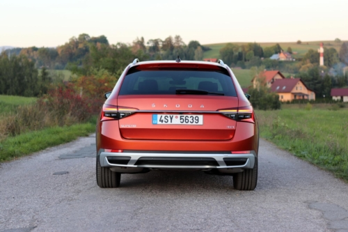 Nová Škoda Superb 2020 (39)