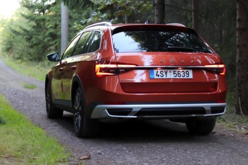 Nová Škoda Superb 2020 (4)