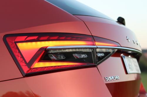 Nová Škoda Superb 2020 (42)