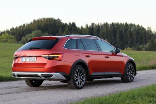 Nová Škoda Superb 2020 (46)