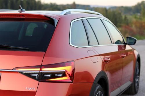 Nová Škoda Superb 2020 (52)