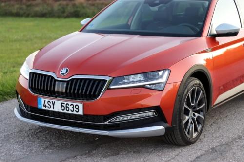 Nová Škoda Superb 2020 (58)