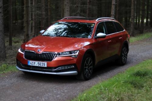 Nová Škoda Superb 2020 (6)