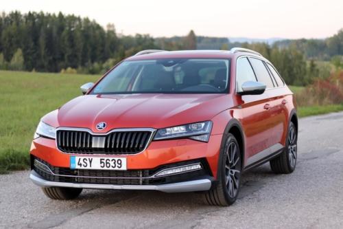 Nová Škoda Superb 2020 (60)
