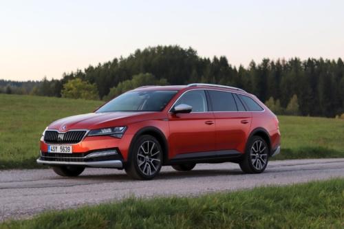 Nová Škoda Superb 2020 (64)
