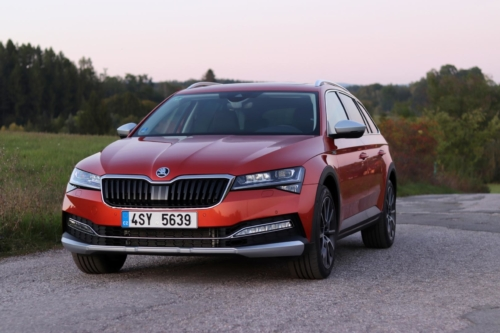 Nová Škoda Superb 2020 (66)