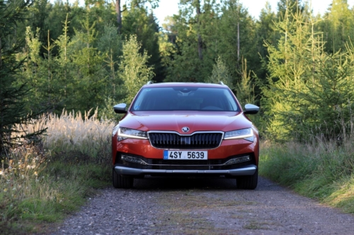 Nová Škoda Superb 2020 (7)