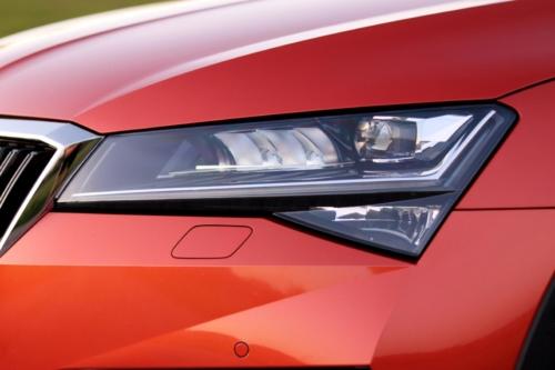 Nová Škoda Superb 2020 (71)