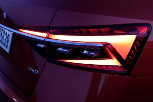 Nová Škoda Superb 2020 (74)