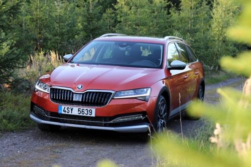 Nová Škoda Superb 2020 (8)