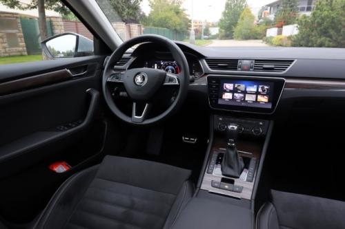 Nová Škoda Superb 2020 (96)