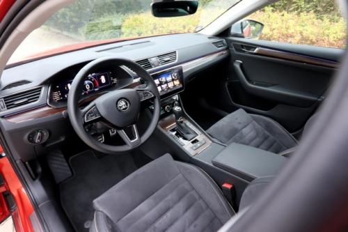 Nová Škoda Superb 2020 (97)