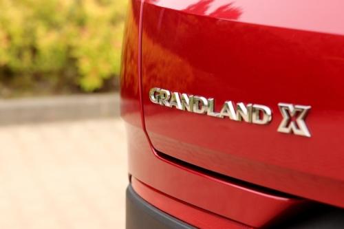opel grandland x hybrid4 (13)