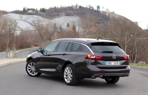 Opel Insignia Sports Tourer 2021 (1)