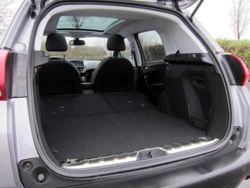Peugeot 2008 GT (1)