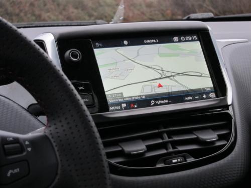 Peugeot 2008 GT (11)