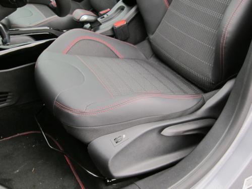 Peugeot 2008 GT (16)